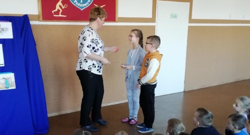 """edukacja, Ciekawi goście odwiedzili """"Trójkę"""" - zdjęcie, fotografia"""