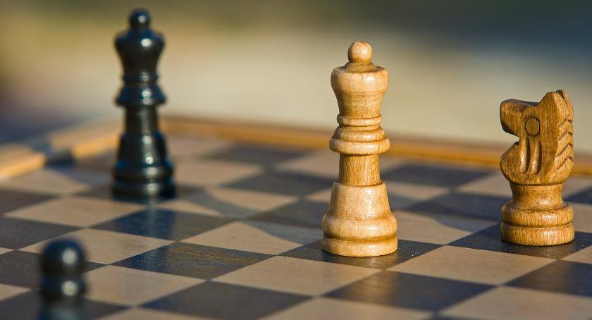 szachy brydż, Niebawem Otwarty Turniej Szachowy - zdjęcie, fotografia