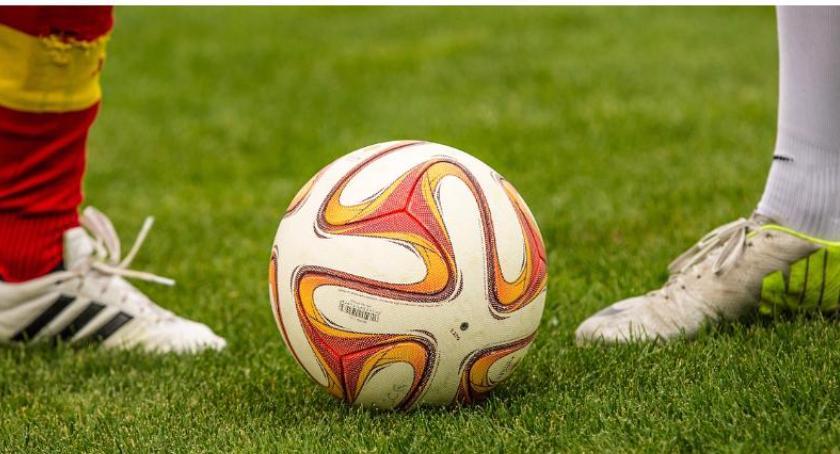 piłka nożna futsal, Powiatowe Mistrzostwa Ludowych Zespołów Sportowych halowej piłce nożnej - zdjęcie, fotografia