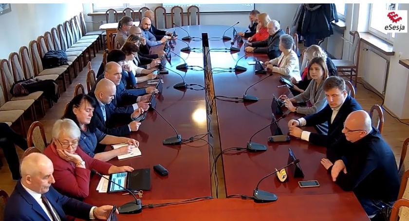 Rada Miasta Zambrów radni, Radni miejscy zebrali nadzwyczajnej sesji [retransmisja] - zdjęcie, fotografia