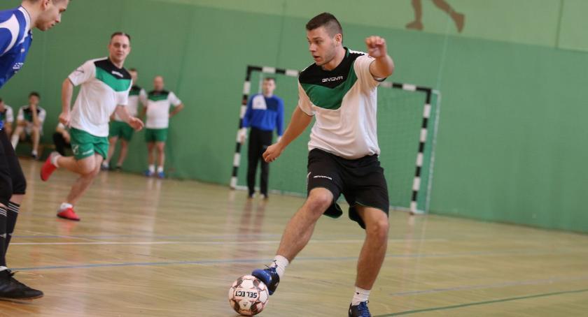 piłka nożna futsal, Gospodarze zwycięzcami Halowego Turnieju Piłki Nożnej Puchar Prezesa Dobroplastu [foto] - zdjęcie, fotografia