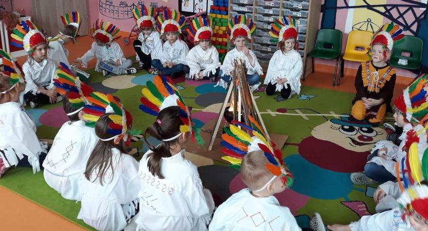 edukacja, Indianie przedszkolu - zdjęcie, fotografia