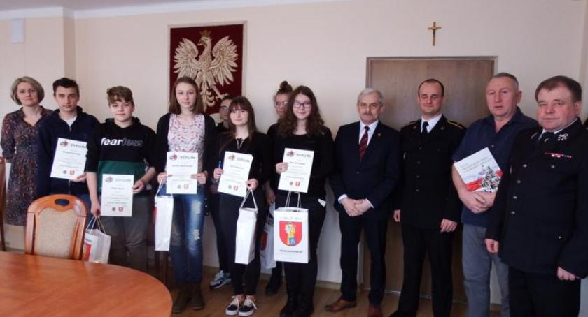 pożary i straż, Młodzież gminy Szumowo rywalizowała turnieju wiedzy pożarniczej - zdjęcie, fotografia