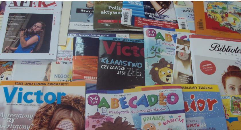 książki publikacje, Czytasz prasę kupuj wypożycz Biblioteka zaprasza swoje progi - zdjęcie, fotografia