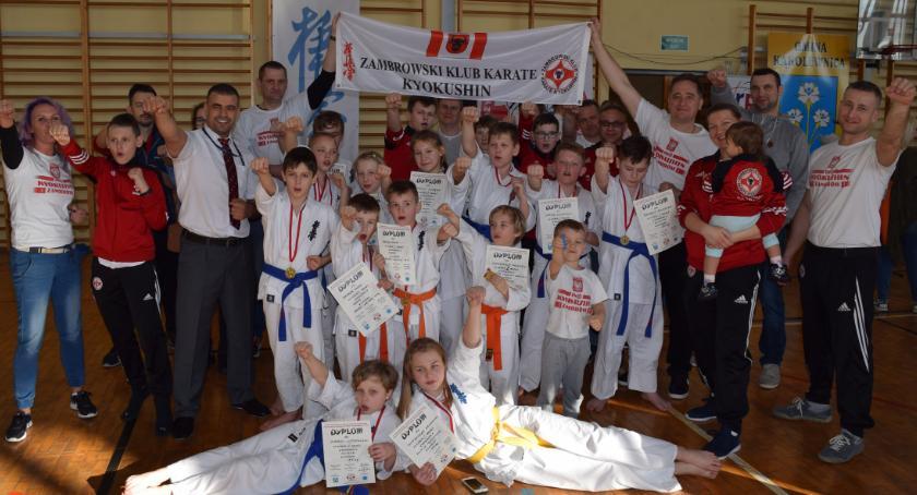 karate i sztuki walki, medali wywalczyli karatecy - zdjęcie, fotografia