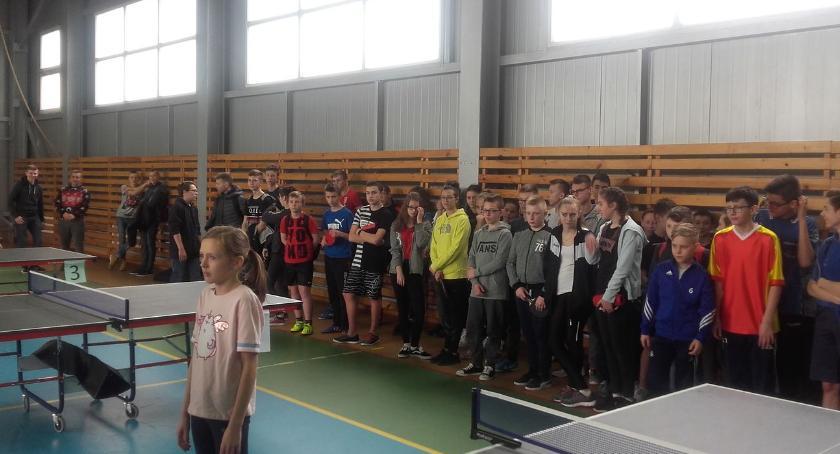 tenis ziemny tenis stołowy badminton, Powiatowe Mistrzostwa Ludowych Zespołów Sportowych tenisie stołowym rozstrzygnięte - zdjęcie, fotografia