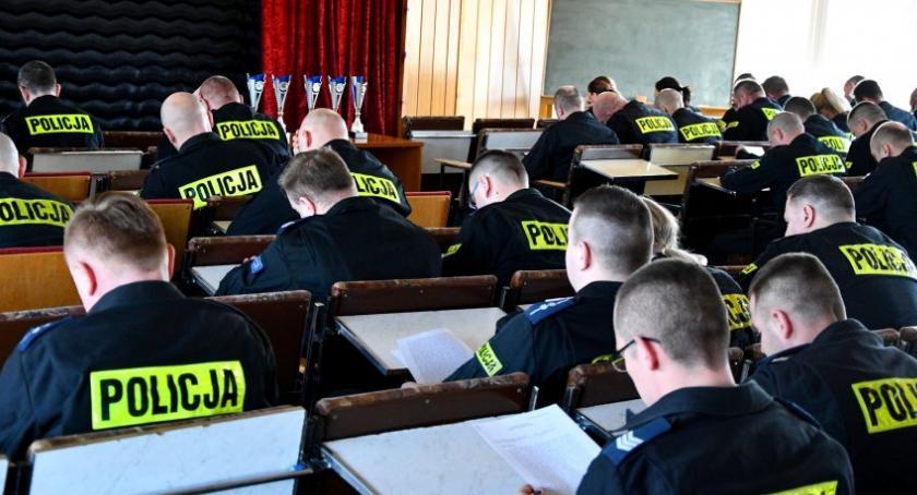 policja, najlepszego województwie funkcjonariusza nadzorującego pracę pionu kryminalnego - zdjęcie, fotografia