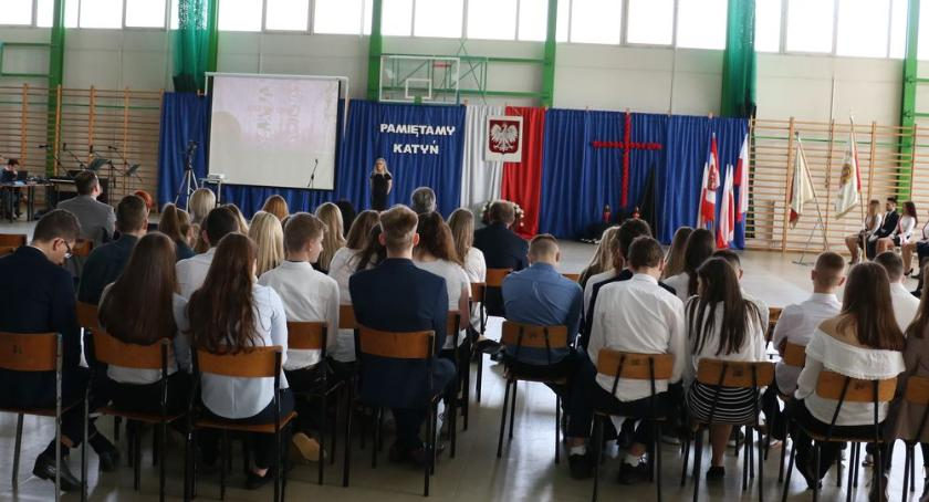 edukacja, Upamiętnili ofiary Zbrodni Katyńskiej [foto] - zdjęcie, fotografia