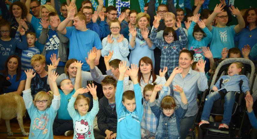 edukacja, Obchody Światowego Wiedzy temat Autyzmu Ośrodku Szkolno Wychowawczymw Długoborzu - zdjęcie, fotografia