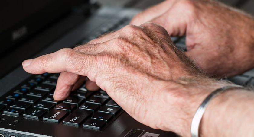 biznes i praca, Rośnie ilość pracujących emerytów - zdjęcie, fotografia