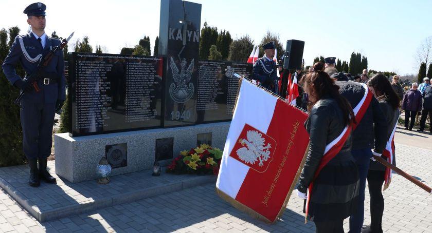 uroczystości obchody, Miejsko powiatowe obchody rocznicy zbrodni katyńskiej [foto] - zdjęcie, fotografia