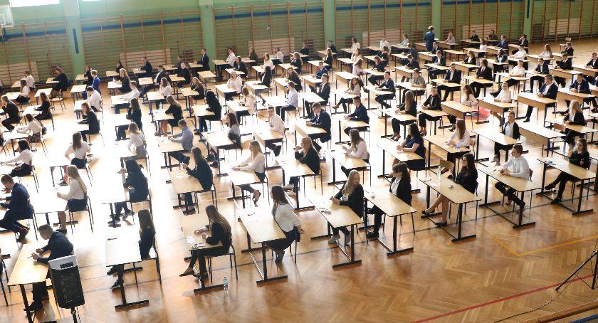 edukacja, Egzamin ósmoklasisty Dziś język polski - zdjęcie, fotografia