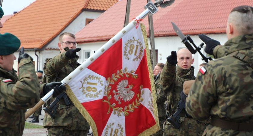 uroczystości obchody, Żołnierze Wojsk Obrony Terytorialnej złożyli przysięgę Tykocinie - zdjęcie, fotografia