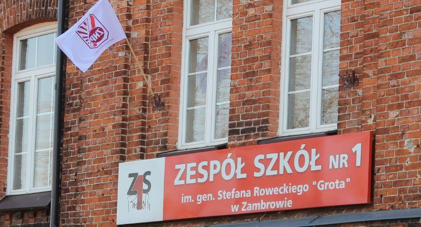 """edukacja, """"Czerwoniak"""" również zawiesza strajk - zdjęcie, fotografia"""