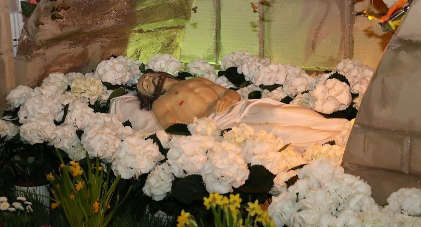 święta, Symboliczne groby Chrystusa zambrowskich parafiach [foto] - zdjęcie, fotografia