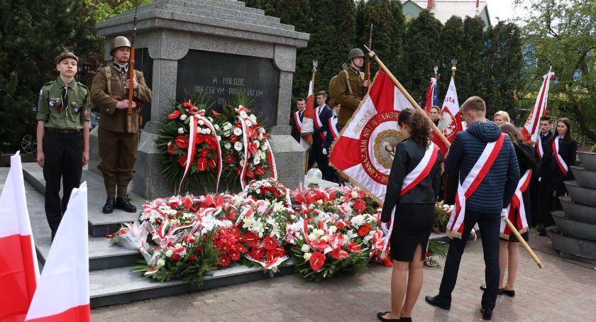 uroczystości obchody, Obchody rocznicy uchwalenia Konstytucji Zambrowie [foto] - zdjęcie, fotografia