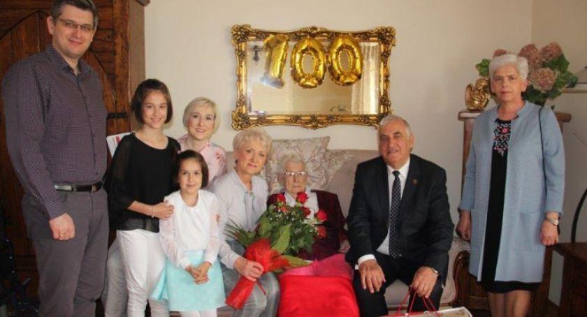 uroczystości obchody, Janina Orłowska obchodziła swoje urodziny! - zdjęcie, fotografia