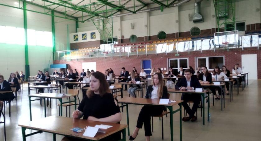 edukacja, Matura trzeci dzień zmagań maturzystów [foto] ARKUSZE MATURALNE - zdjęcie, fotografia