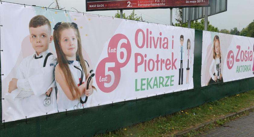 samorząd, Kampania społeczna wizerunkami dzieci [foto] - zdjęcie, fotografia