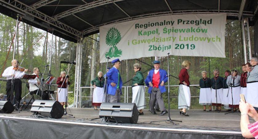 muzyka koncerty, Sukcesy zespołów folklorystycznych Zbójnej - zdjęcie, fotografia