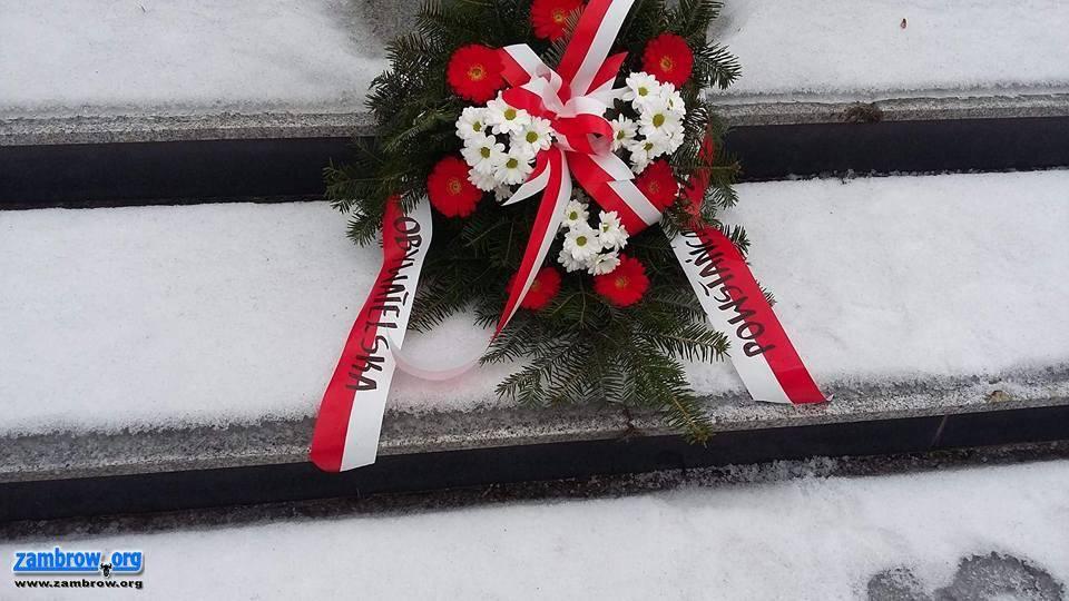świąteczne, Uczcili pamięć powstańców - zdjęcie, fotografia