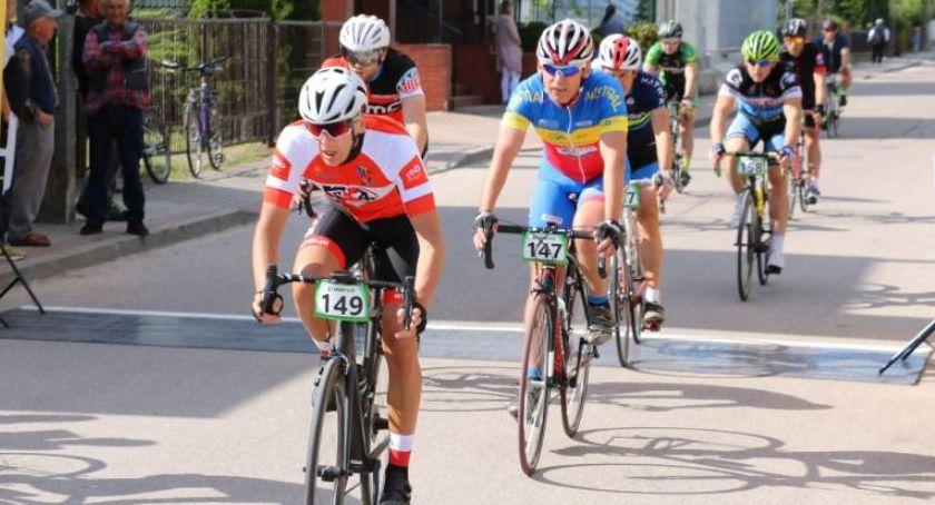 rowery i kolarstwo, Zapraszamy wyścigi rowerowe Szumowa - zdjęcie, fotografia