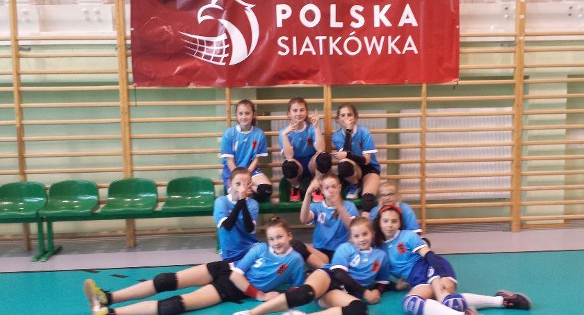 siatkówka piłka ręczna, Dziewczęta brązowymi medalistkami województwa podlaskiego siatkówce dziewcząt - zdjęcie, fotografia