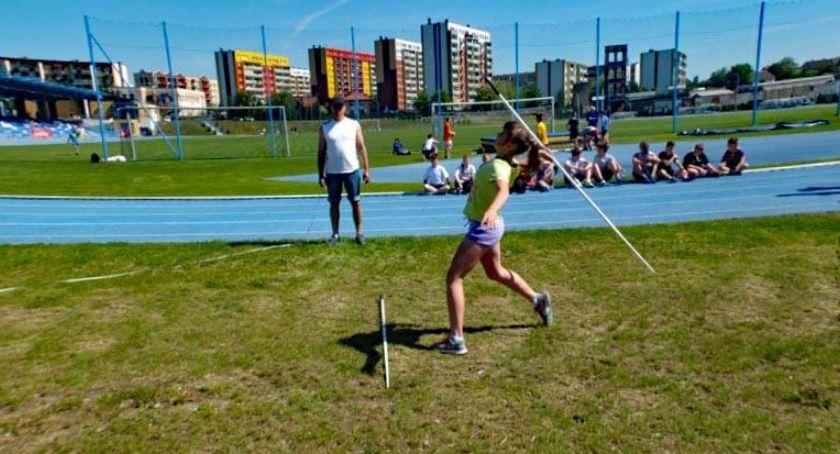 bieganie lekkoatletyka unihokej, Powiatowe Igrzyska Młodzieży Szkolnej lekkiej atletyce [wyniki dziewcząt] - zdjęcie, fotografia