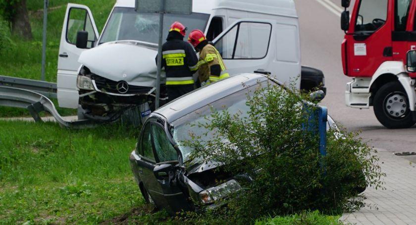 wypadki drogowe , Wypadek Łomżyńskiej osoby szpitalu [aktualizacja] - zdjęcie, fotografia