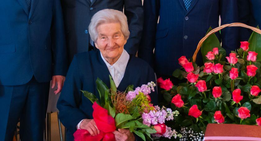 uroczystości obchody, Stanisława obchodziła swoje urodziny! - zdjęcie, fotografia