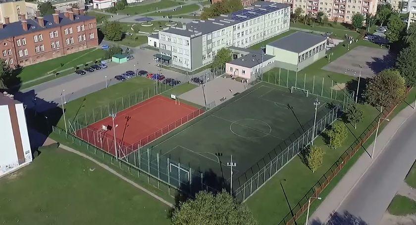 """piłka nożna futsal, Wydłużą godziny otwarcia dwóch """"Orlików"""" - zdjęcie, fotografia"""