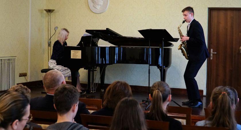 muzyka koncerty, Koncert saksofonowy zambrowskiej [foto] - zdjęcie, fotografia