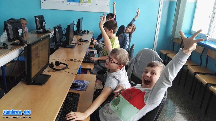 """edukacja, Robotyka programowanie zambrowskiej """"Trójce"""" - zdjęcie, fotografia"""