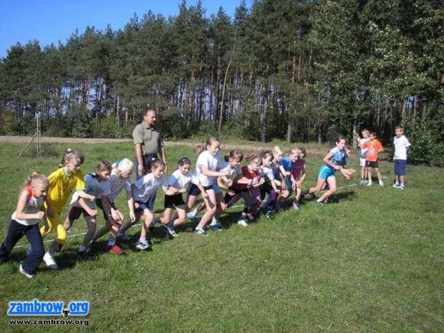 bieganie lekkoatletyka unihokej, Wyniki gminnych igrzysk indywidualnych biegach przełajowych Wądołki - zdjęcie, fotografia