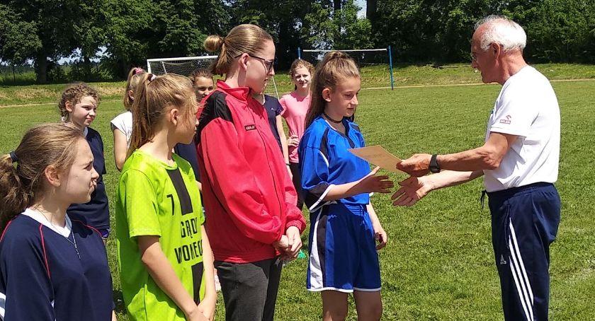 piłka nożna futsal, Rozegrano Powiatowe Mistrzostwa Piłce Nożnej Dziewcząt - zdjęcie, fotografia