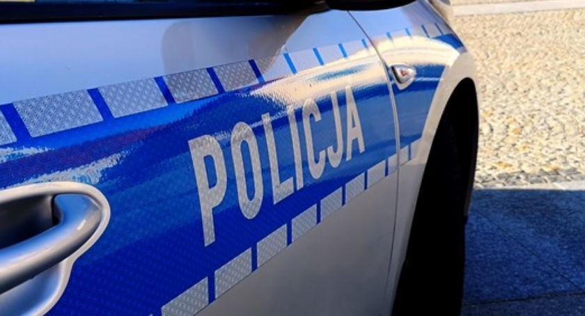 wypadki drogowe , Pijany latek kółkiem Policyjny pościg ulicami Zambrowa - zdjęcie, fotografia