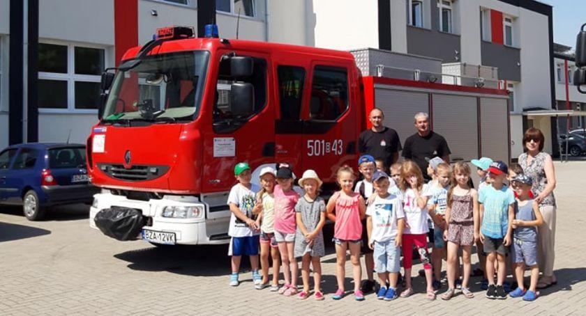 edukacja, Dzieci gościły dzisiaj strażaków - zdjęcie, fotografia