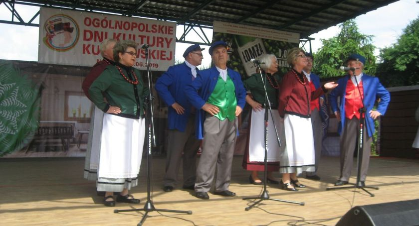 muzyka koncerty, Sukces zambrowskiej grupy folklorystycznej Nowogrodzie - zdjęcie, fotografia