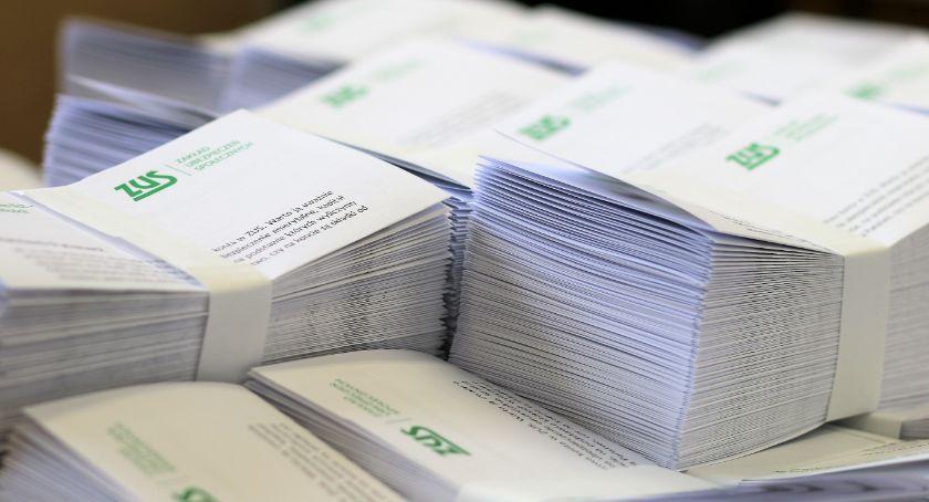 biznes i praca, listy pisze Sprawdź czeka emerytura - zdjęcie, fotografia