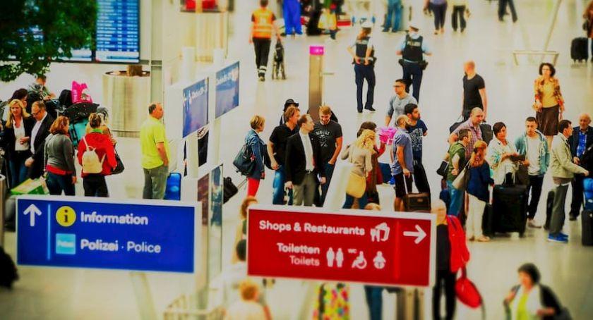 artykuł sponsorowany, Planujesz wyjazd pracy granicę Sprawdź musisz wiedzieć karcie - zdjęcie, fotografia