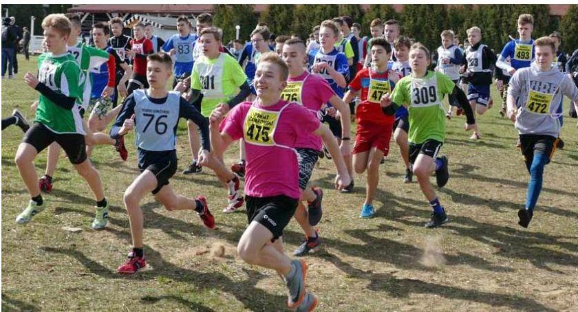 bieganie lekkoatletyka unihokej, Znamy wyniki współzawodnictwa sportowego podlaskich szkół - zdjęcie, fotografia