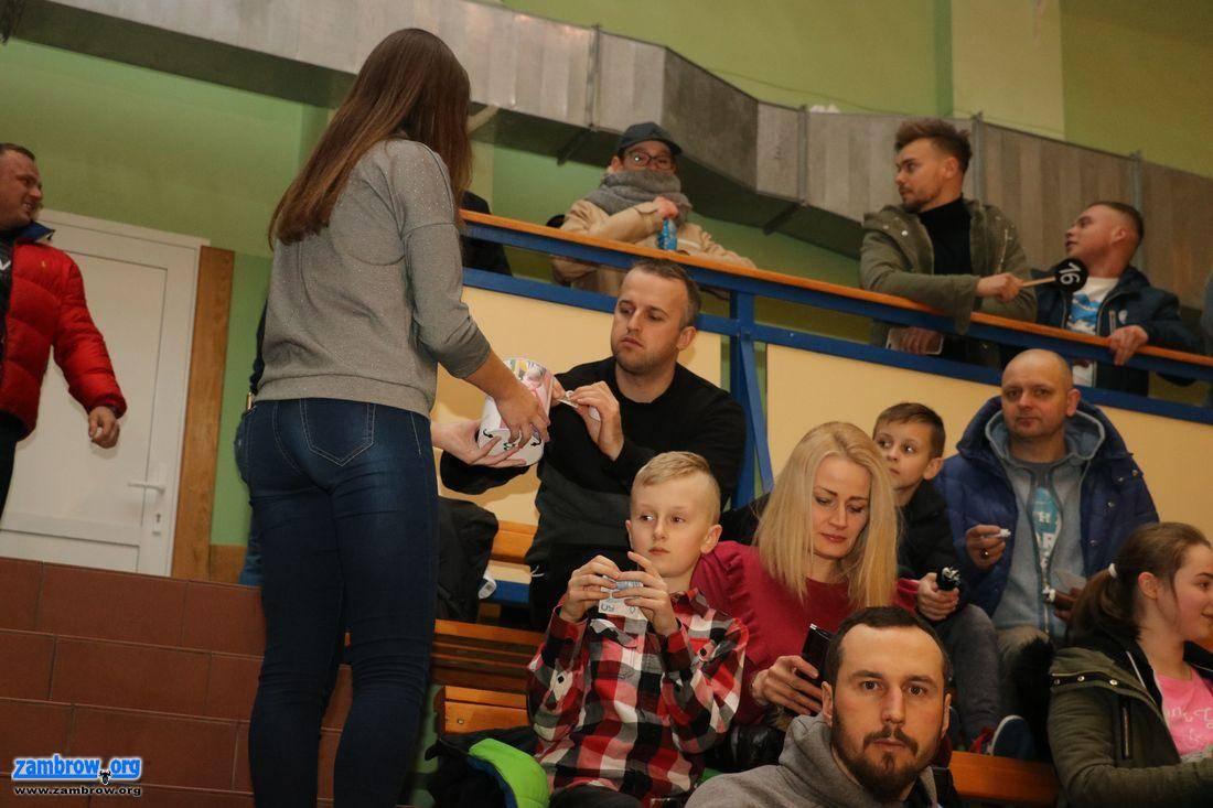 społeczeństwo, Charytatywny Zambrowie Zambrów Słoneczny Białystok grali Marcelka [foto+v - zdjęcie, fotografia