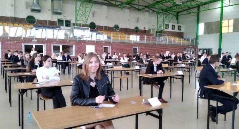edukacja, Znamy wyniki tegorocznych matur zambrowskich szkołach - zdjęcie, fotografia