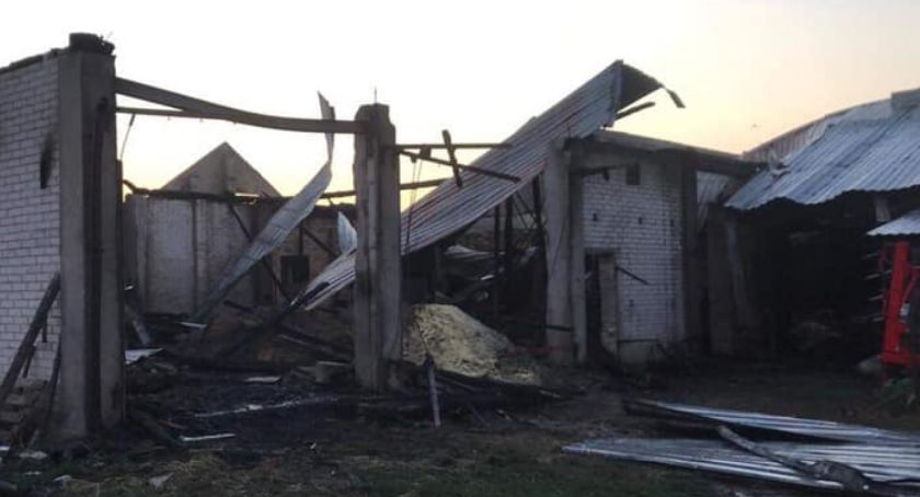 charytatywne wolontariat, zbiórka pieniędzy rodziny która pożarze straciła dorobek życia - zdjęcie, fotografia