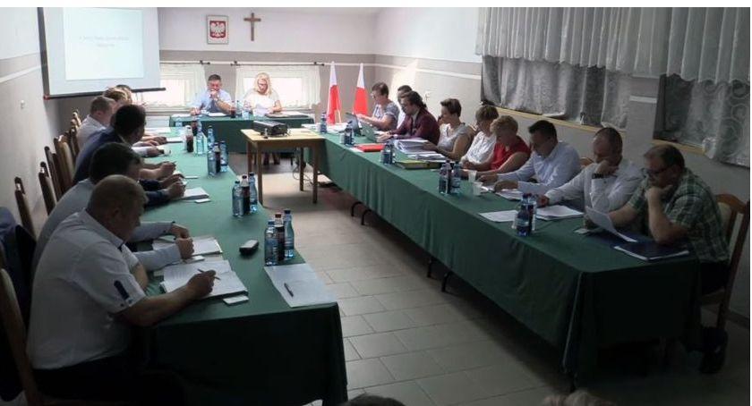 Rada Gminy Kołaki radni, Oświadczenie majątkowe władz radnych Gminy Kołaki Kościelne Zobacz zarobił - zdjęcie, fotografia