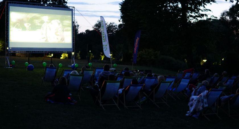 kino film teatr, Zambrowianie obejrzeli Letnim Kinem Nadziei [foto] - zdjęcie, fotografia