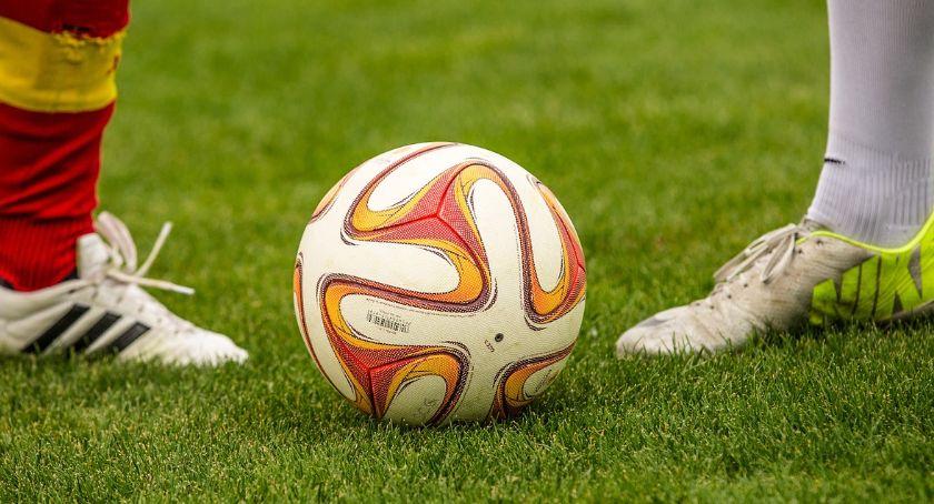 piłka nożna futsal, Inauguracyjna porażka Olimpii - zdjęcie, fotografia