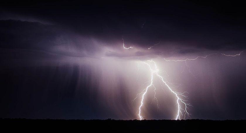 meteo, Czekają burze intensywne opady deszczu - zdjęcie, fotografia