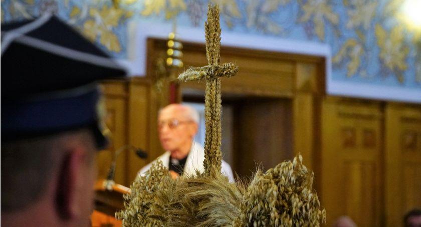 uroczystości obchody, Dożynki gminno parafialne Kołakach Kościelnych [foto] - zdjęcie, fotografia