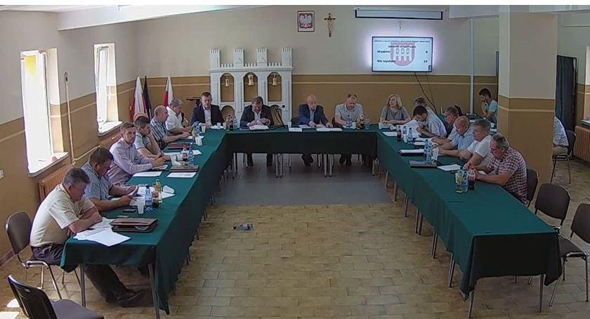 Rada Gminy Rutki radni, Oświadczenia majątkowe władz radnych Gminy Rutki Zobacz zarobił - zdjęcie, fotografia